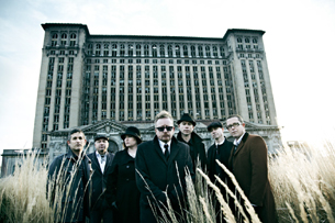 WITH FULL FORCE: Demokratie Marke FLOGGING MOLLY!